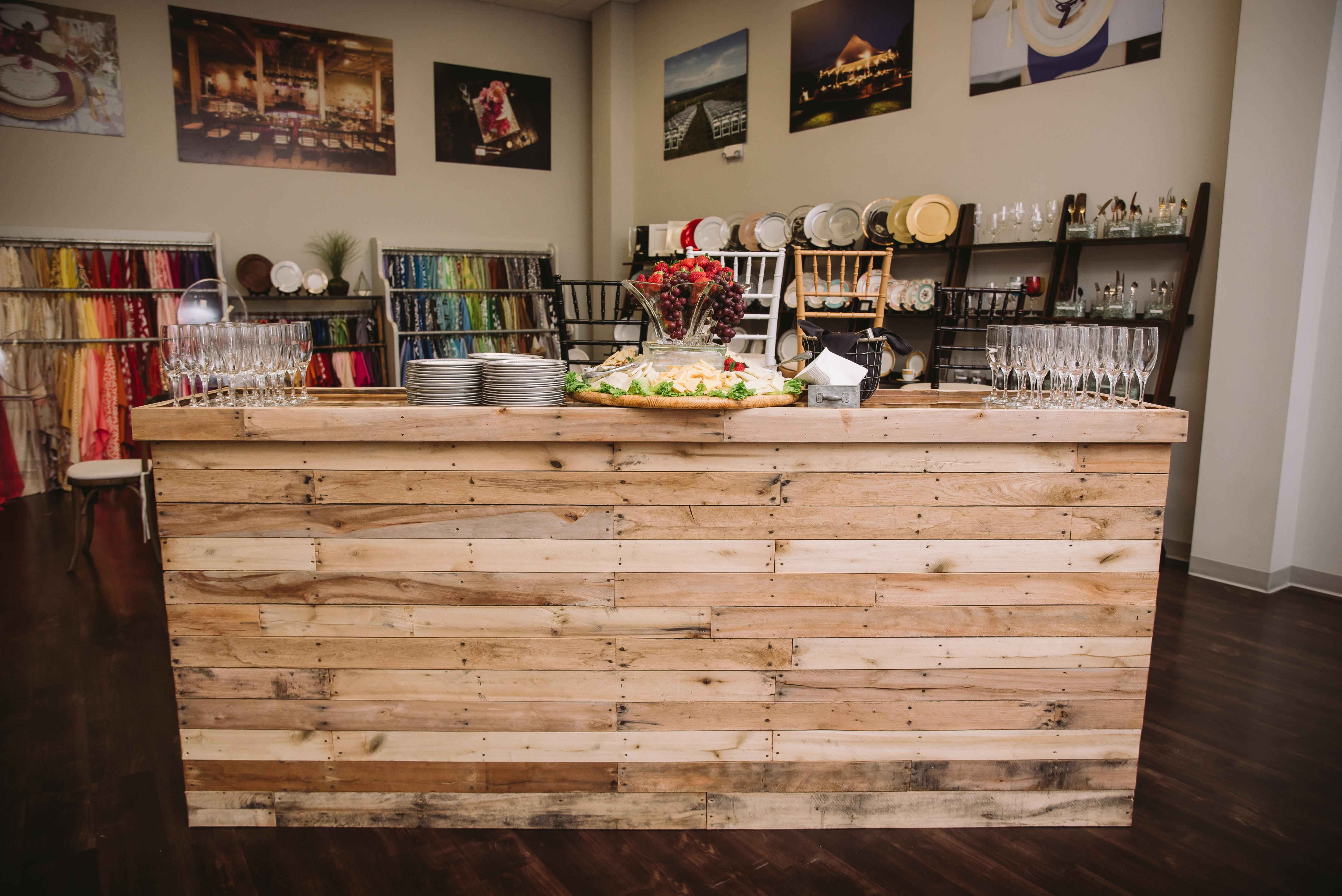 New 8' Rustic Pallet Bar